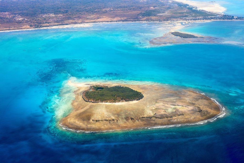 Island Hop Mozambique