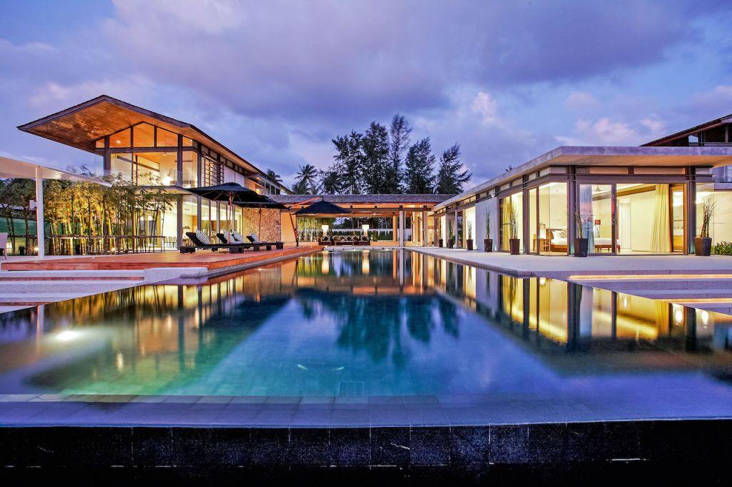 Pool at Villa Essenza