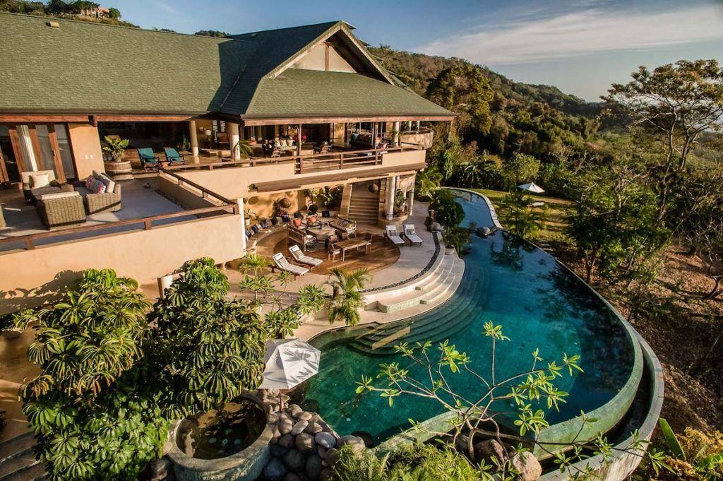 Pool at Villa Nimbu