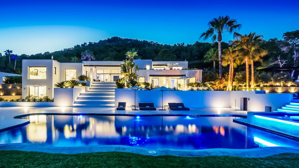 Pool at Villa Anna in Ibiza