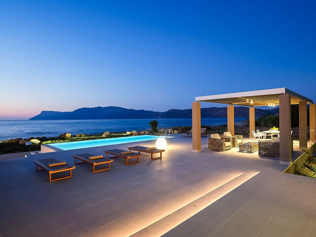 Beach Villa - Youphoria Beachfront Estate Chania