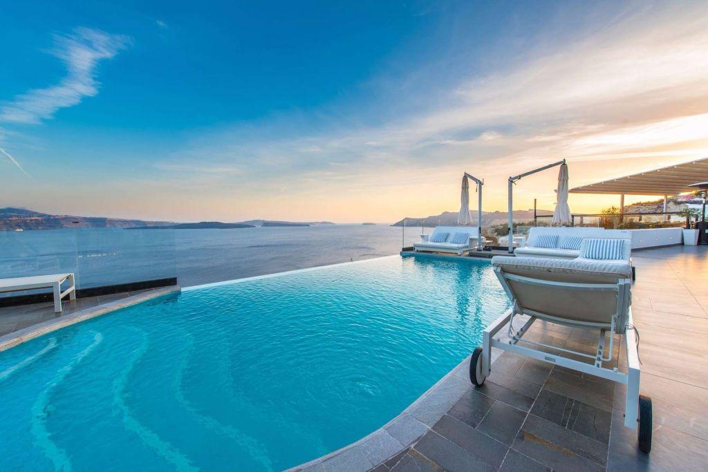 Honeymoon Suite at Santorini Secret
