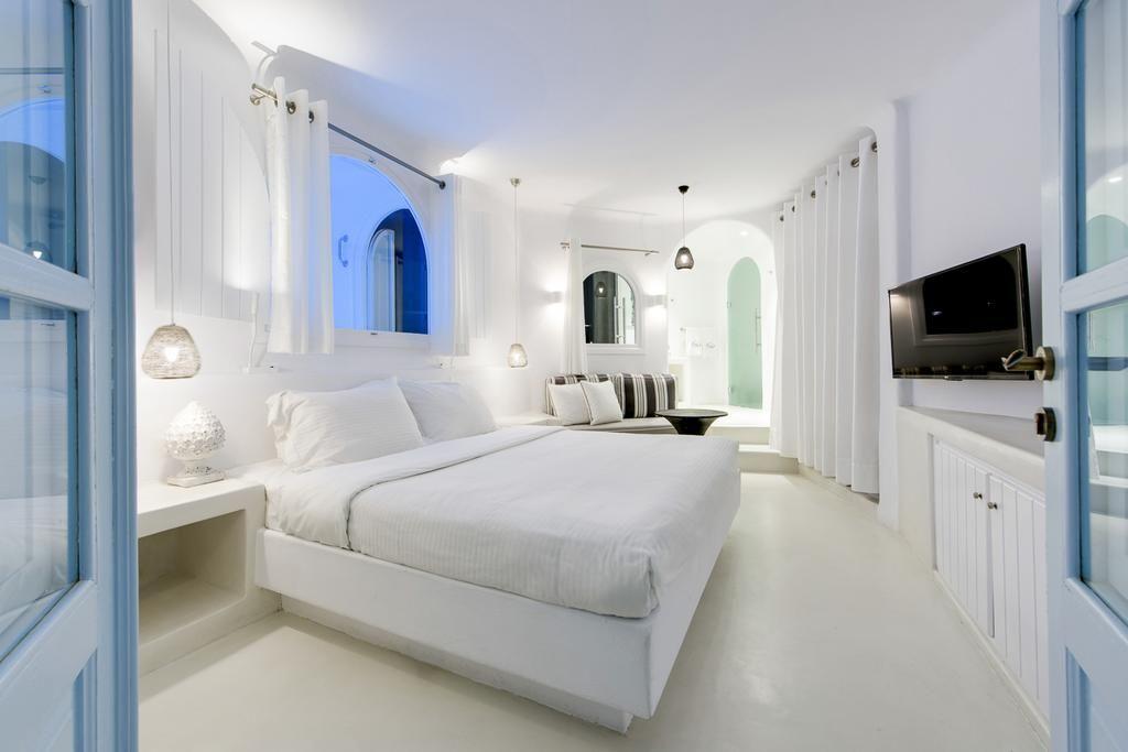 Honeymoon Suites at Dana Villas Santorini