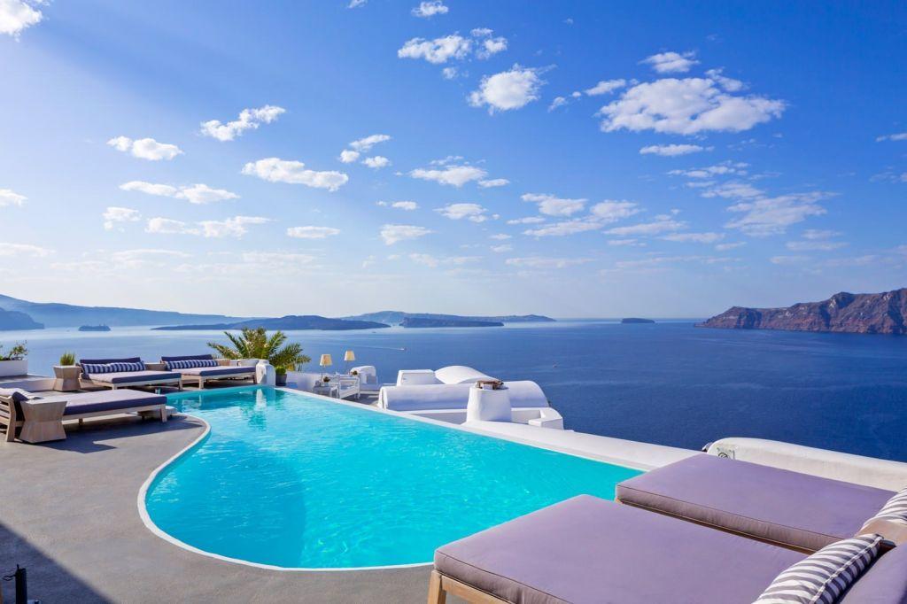 Honeymoon Suite at Katikies Santorini