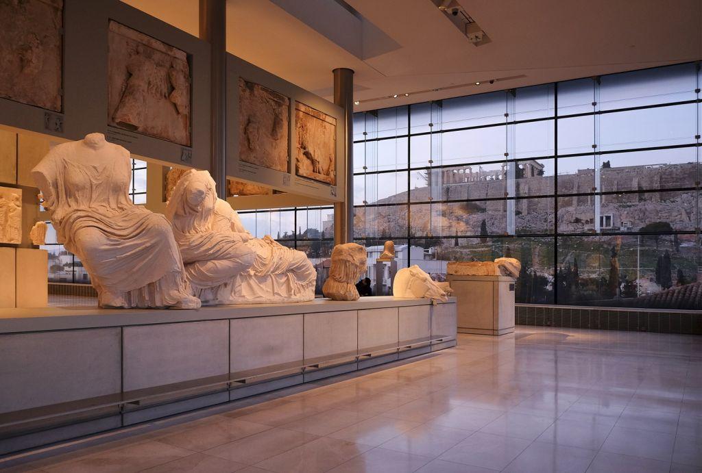 1596-Acropolis Museum Athens.jpg