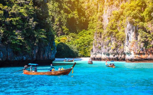 Tropical island getaways around Phuket