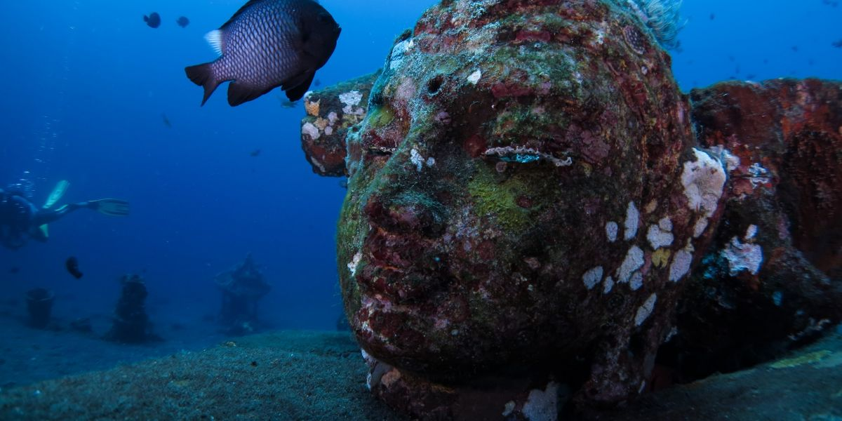 Amazing underwater sculptures in Bali