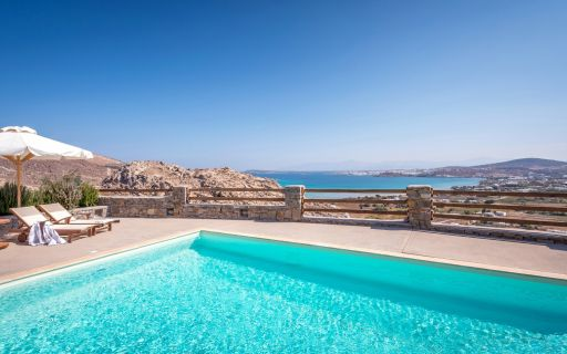 Top villas to rent in Paros Island