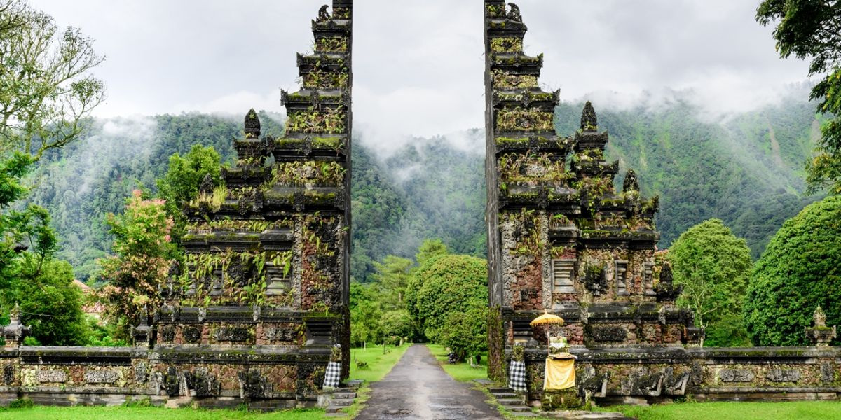 Traveling To Bali Indonesia Traveler By Unique