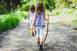 5 tips for parents for planning an exciting hiking adventure