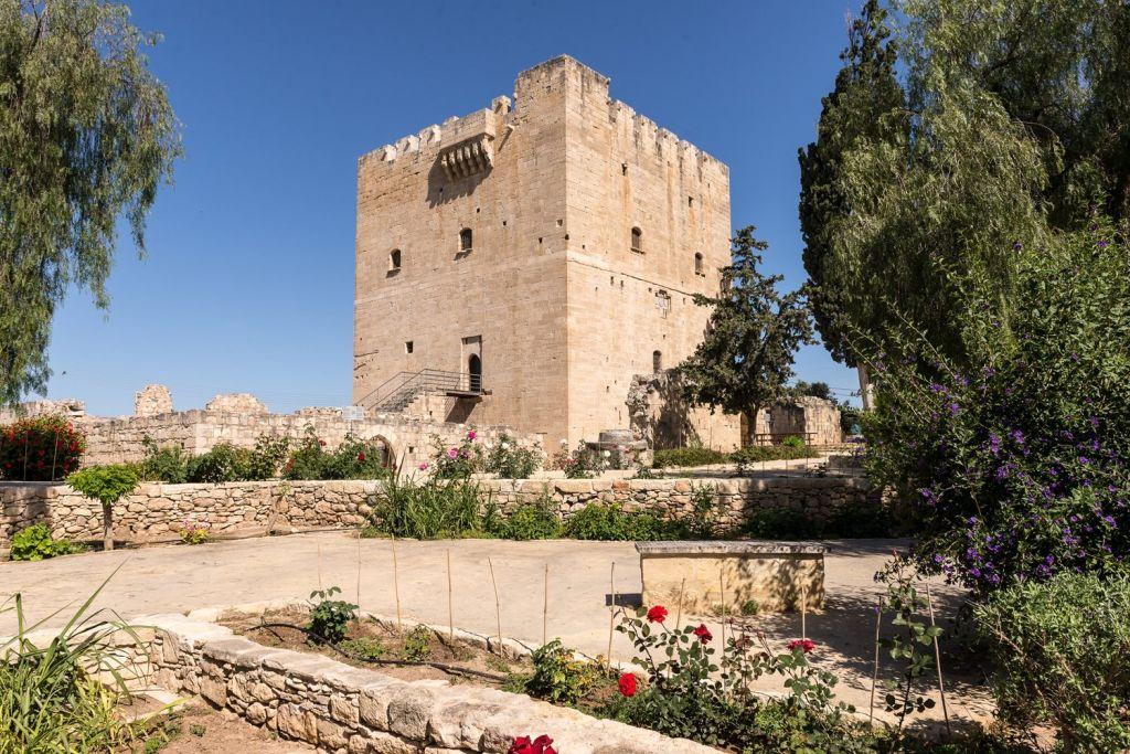 Kolosi Castle