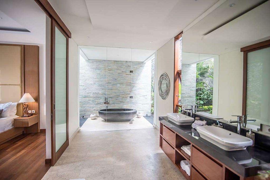 Freedom Villa Bali bathroom 1