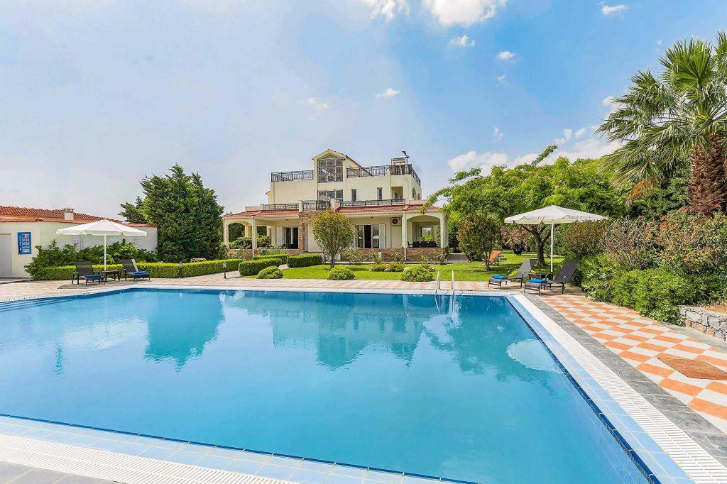 Royal Clasico Villa Rhodes