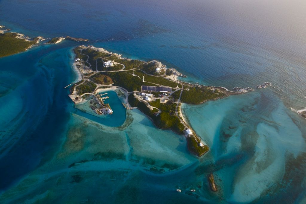 Over Yonder Cay Bahamas panoramic