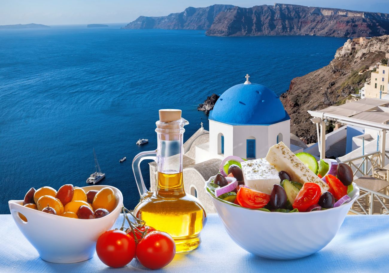 Must-try foods in Santorini