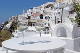 santorini and wine. An unrelated relationship!