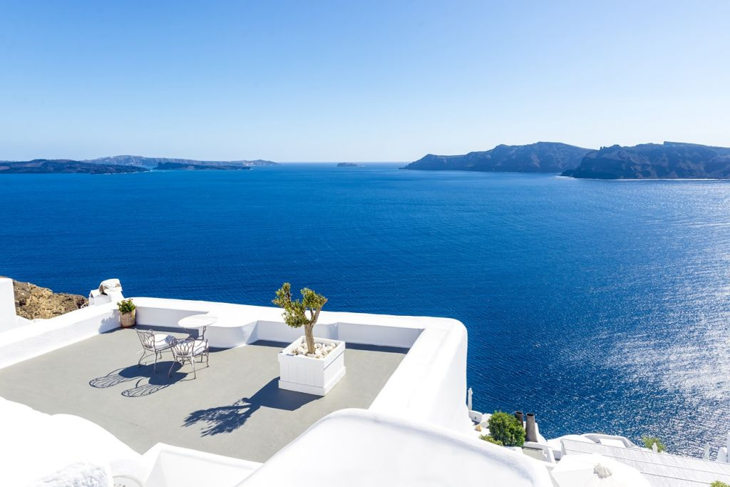 the most instagrammable spots in Santorini 3