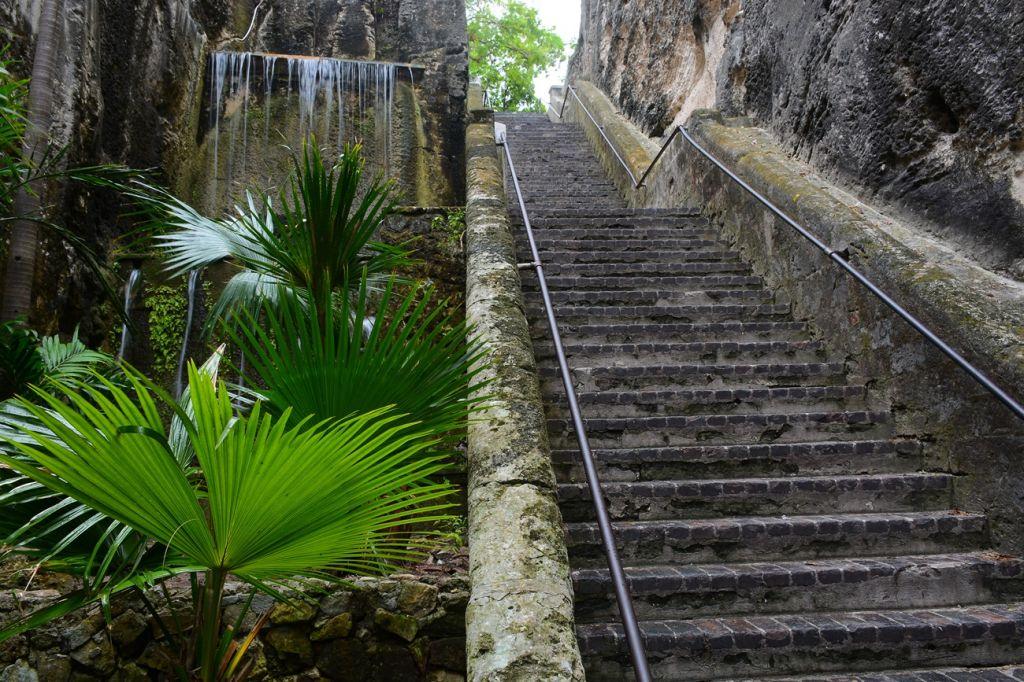 Queen's staircase Bahamas