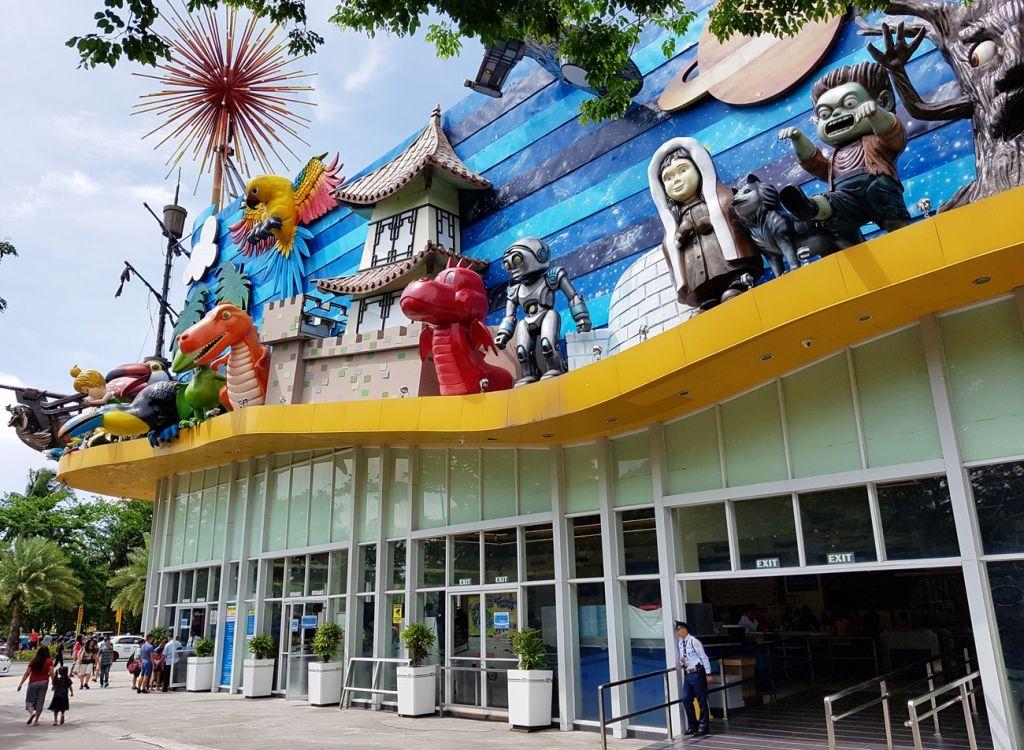 theme parks Philippines