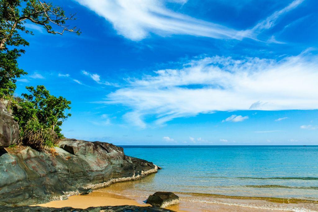 Dam Trau Beach, Con Son Island