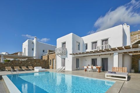 Exclusive Villa at Mykonos Ammos Villas