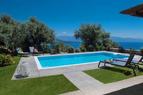 Maroon Pearl Villa Lefkada