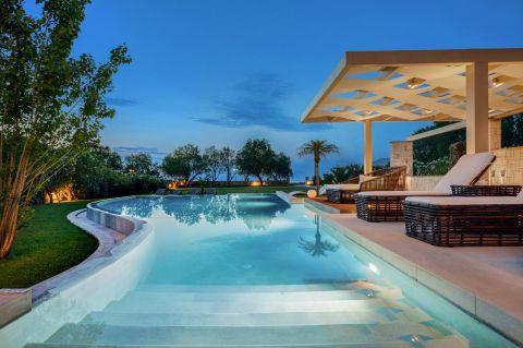 Elvina Villa Beachfront Chania
