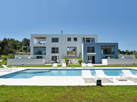 K&K Corfu Beach Villa