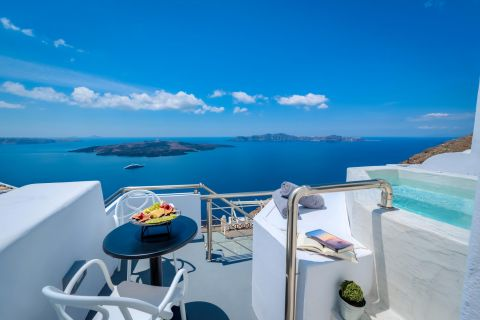 Superior Suites at Modernity Suites Santorini