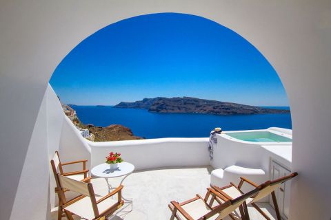 Honeymoon Suite with Hot Tub at Oia Mare Villas & Suites