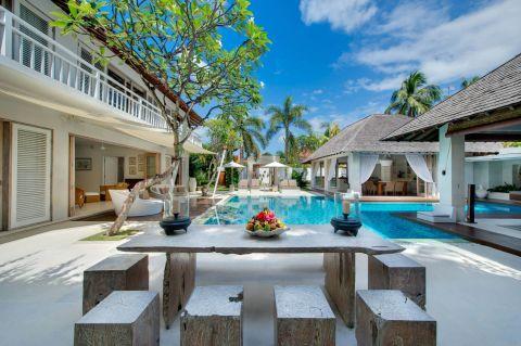 Villa Jajaliluna Bali