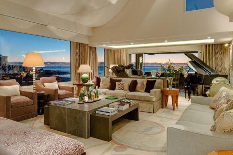 La Rive Penthouse